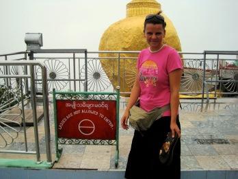 Burma, Kyaiktiyo-Pagode, Goldener Felsen